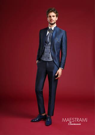 vestito da sposo blu lungo con doppio rever maestrami