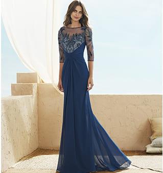 abito blu lungo con ricami marfil
