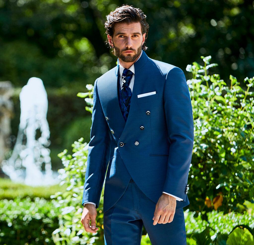 abito-doppiopetto-blu-con-bottoni-lubiam