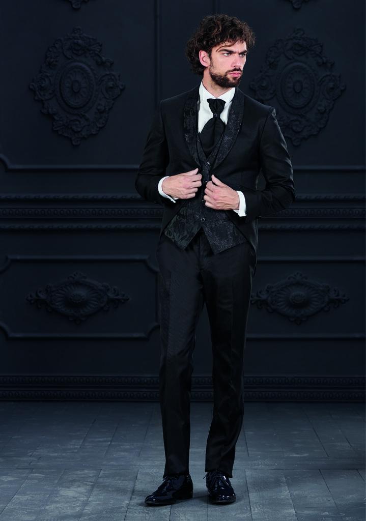 abito nero con rever damascato rocchini