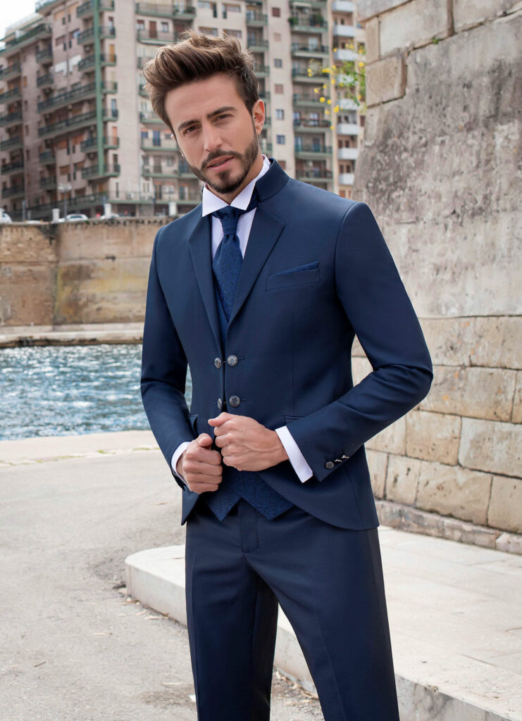 giacca-liscia-blu-con-doppio-bottone-pat-maseda