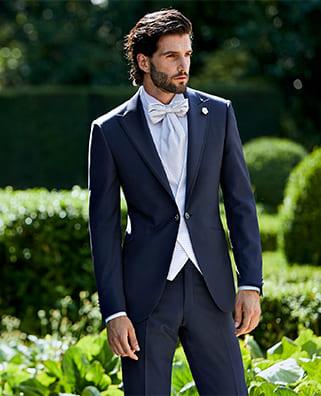 abito blu damascato con pantaloni neri lubiam